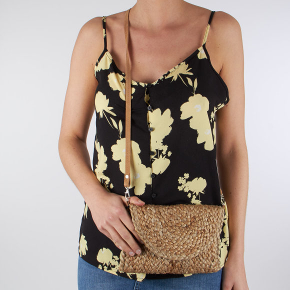 Image of   Pcbecky straw cross body