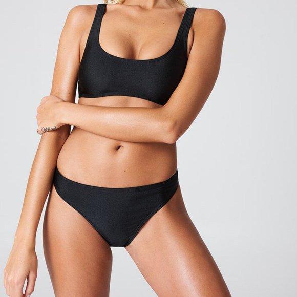 na-kd – Sporty bikini briefs fra kingsqueens.dk