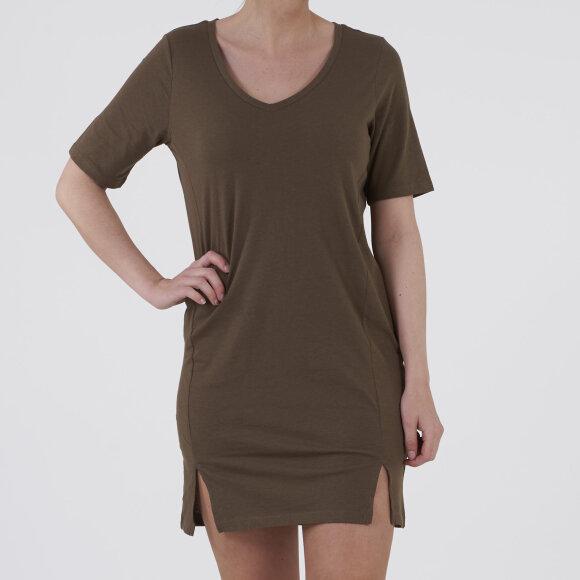 Pcebonee 2/4 v-neck dress