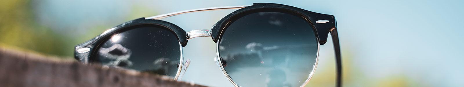Solbriller til hende