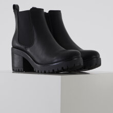 Pieces - Psditte boot