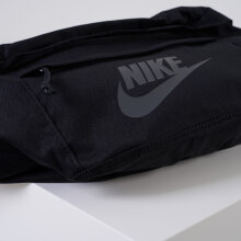 Nike - Hip pack storage on the go