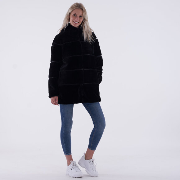 Image of   Objaimee l/s fur jacket