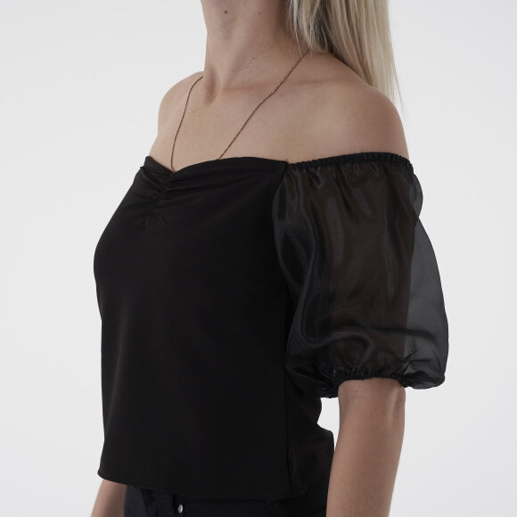 NA-KD - Off shoulder organza sleeve