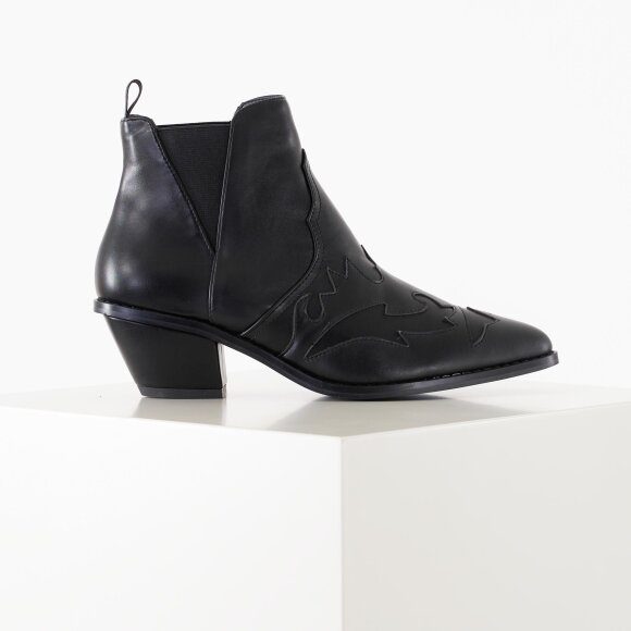 Image of Ankle cowboy bootie