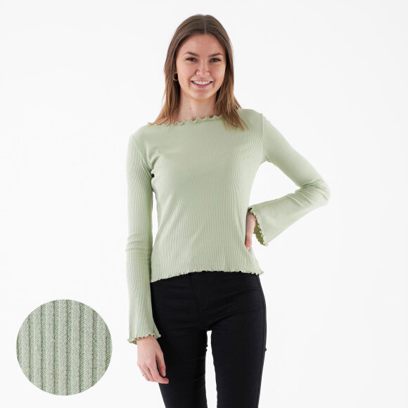 Image of   Flared sleeve boatneck rib top