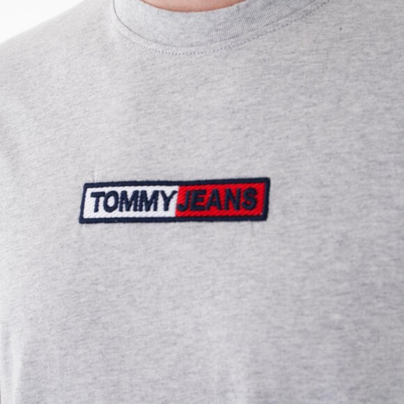 Tommy Jeans - Tjm embroidered box logo tee