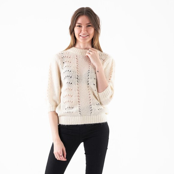 Image of   Short balloon sleeve knit