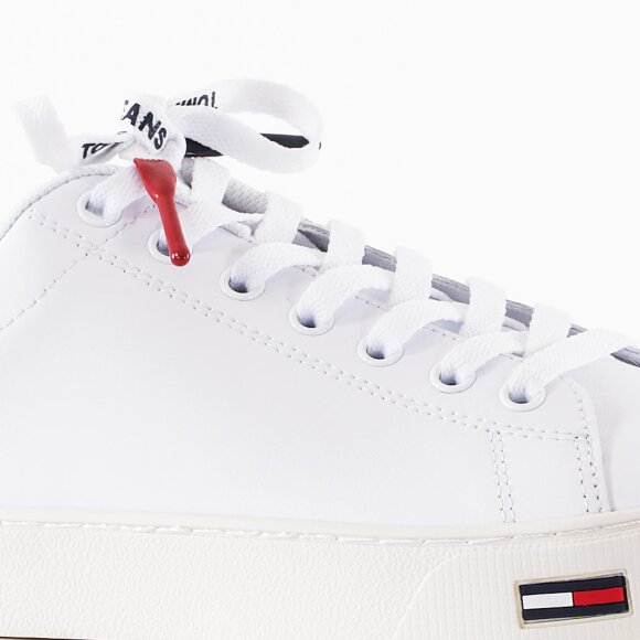 Tommy Hilfiger Shoes - Essential tommy jeans sneaker