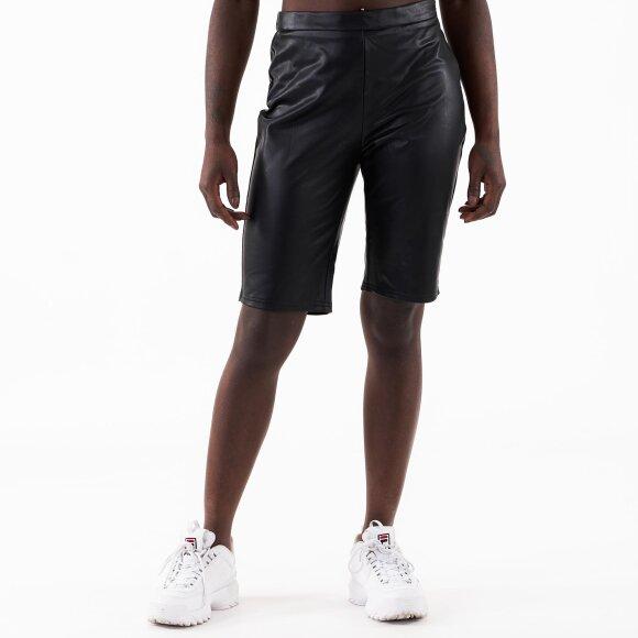 Pcallen mw shorts fra pieces fra kingsqueens.dk