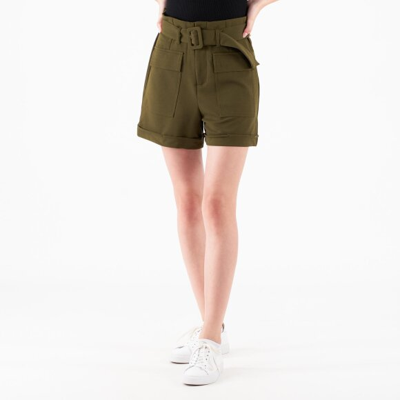 pure friday Purmerle shorts fra kingsqueens.dk