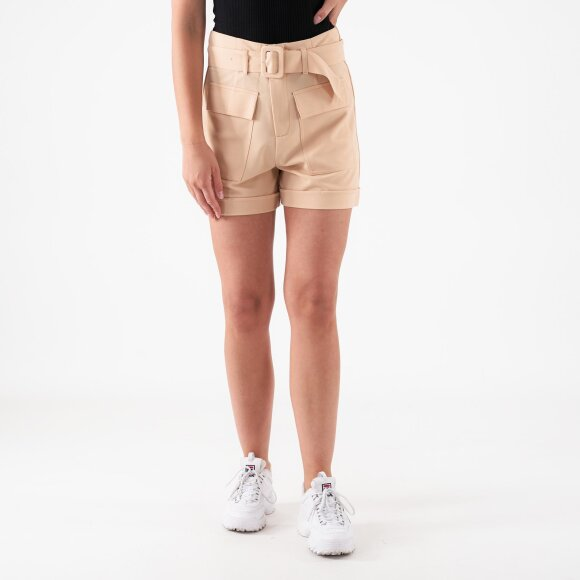 pure friday Purmerle shorts på kingsqueens.dk