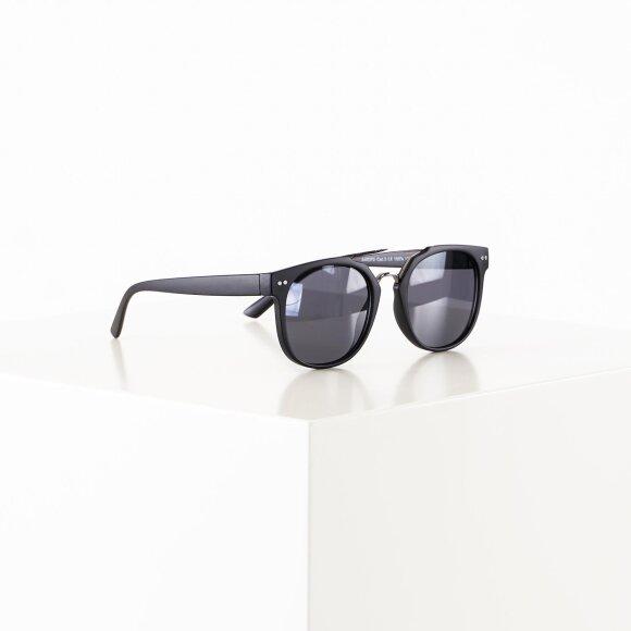 black rebel Lucas sunglasses fra kingsqueens.dk