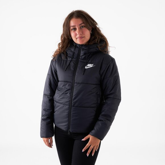 Synthetic fill jacket fra nike fra kingsqueens.dk