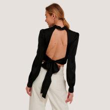 NA-KD - open back blouse