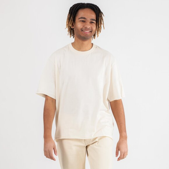 YOUR LOOSE T-SHIRT