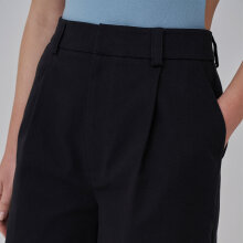 NA-KD - Front long shorts