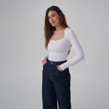 NA-KD - back cut out top