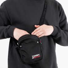 Tommy Jeans - TJM CAMPUS REPORTER