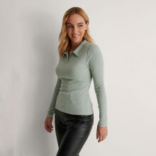 NA-KD - Buttoned collar top